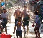 タイの水掛祭り