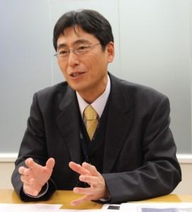 KDDI HONG KONG 総経理 塩崎氏