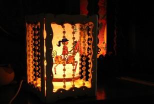 中国の伝統玩具「走馬灯」を作る。恒特芸術設計部主催