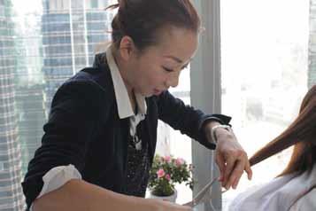DATA hair make、アニータさん