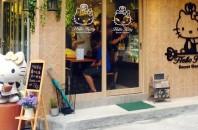 銅鑼湾(コーズウェイベイ)ハローキティカフェ「Hello Kitty Secret Garden Cafe」