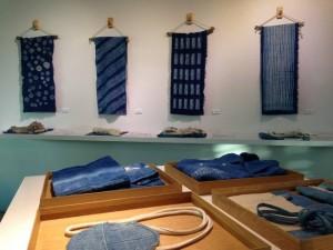 無印良品による「天然藍染テーマの展示会」