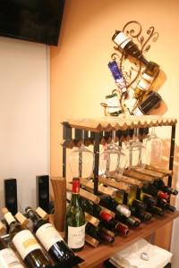 ヘアサロンでワインが飲める