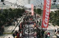 カレラが「スロットカーレース大会」をハーバーシティで開催