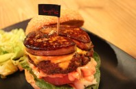 銅鑼湾(コーズウェイベイ)ハンバーガー「burgeRoom」