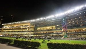 夜のハッピーバレー競馬場