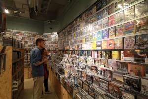 DVD店「KUBRICK」