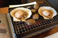 新鮮素材で浜焼き開始「蟹家 鉄板焼」コーズウェイベイ