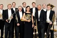 ベルリンフィル12人の金管奏者によるアンサンブル。広州大劇院で開催
