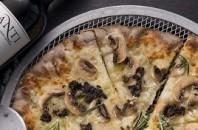 銅鑼湾(コーズウェイベイ)アツアツのピザとグリル「Wildfire+」