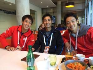 左から錦織選手、佐藤選手、添田選手