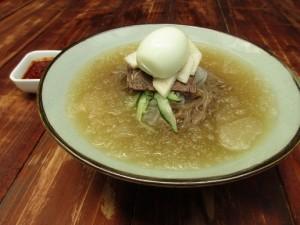 スープがシャーベット状!冷麺