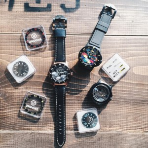 GUMGUMGUMと時計ブランドUNDONEとコラボレーション腕時計
