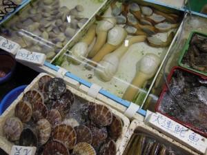新鮮な魚介類がたくさん