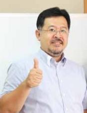 香港語言学院のベテラン教師、岩田さん