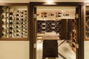 2階のワインセラー&プライベートルーム