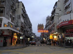 海外からの観光客や買付け業者をも虜にしている同ストリート