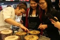 「Cafe Life」パティシエのお菓子教室、「富澤商店」の製菓材料を使用し開催!