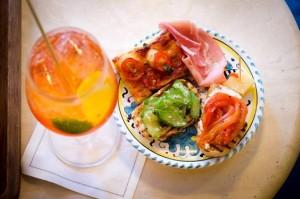 ブルスケッタやサラミなどのイタリアを代表する前菜