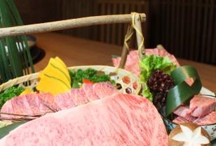 銅鑼湾(コーズウェイベイ)和牛焼肉「純」日本酒との通な組み合わせ