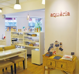 aQuaeria Nail&Lash店内