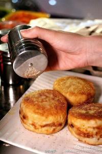 中国式目玉焼きバーガー(鶏蛋汉堡)