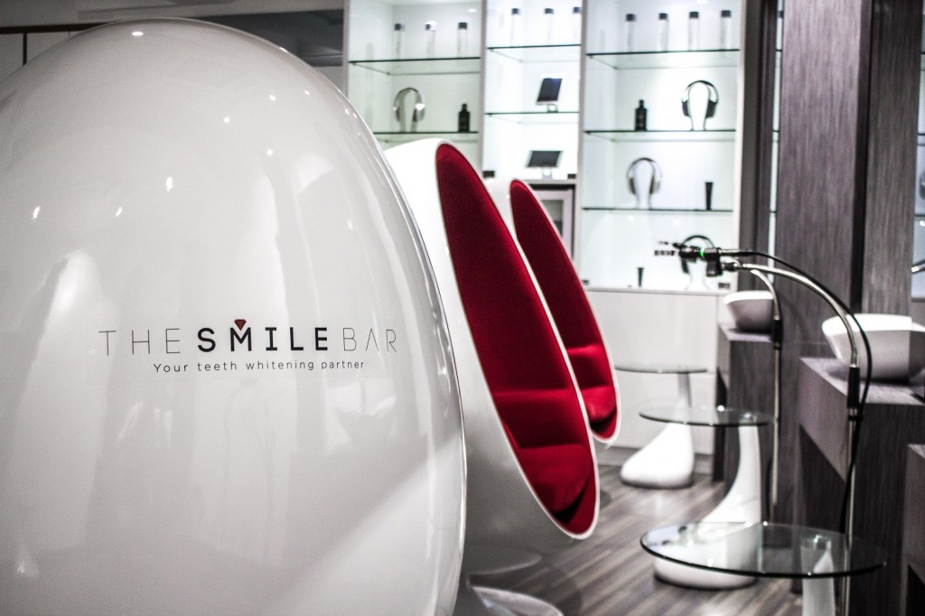 THE SMILE BAR2
