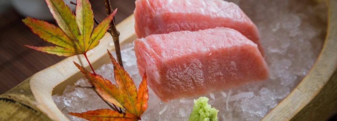 魚は「週三」ペースで日本から直輸入する「八重桜料亭」