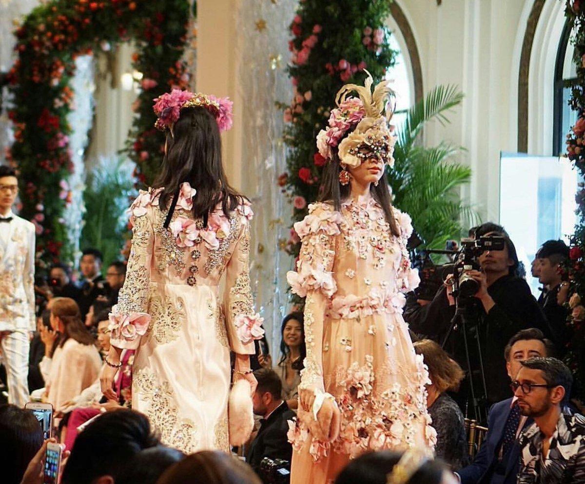 23-Cool-Chic-Style-Fashion-dolce-gabbana-sfilata-alta-moda-hong-kong