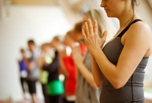 ヨガが体重を減らすのに役立つ3つの理由