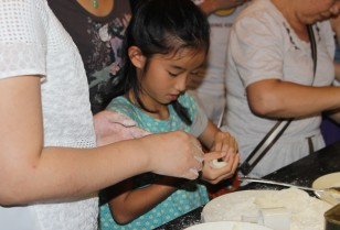 【TLI深圳】主催の中秋節イベントに潜入月餅作りにみんなでチャレンジ!