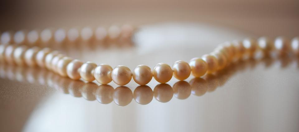 pearls-2268099_960_720
