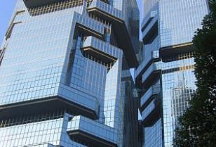 香港を象徴する10棟の高層ビルと、ユニークなニックネーム
