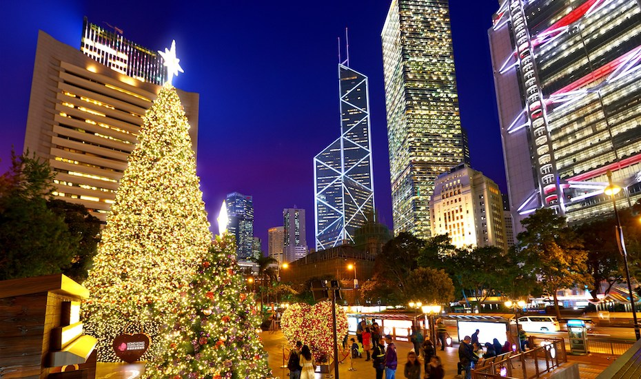 HK-WinterFest_Statue-Square-Christmas-Tree