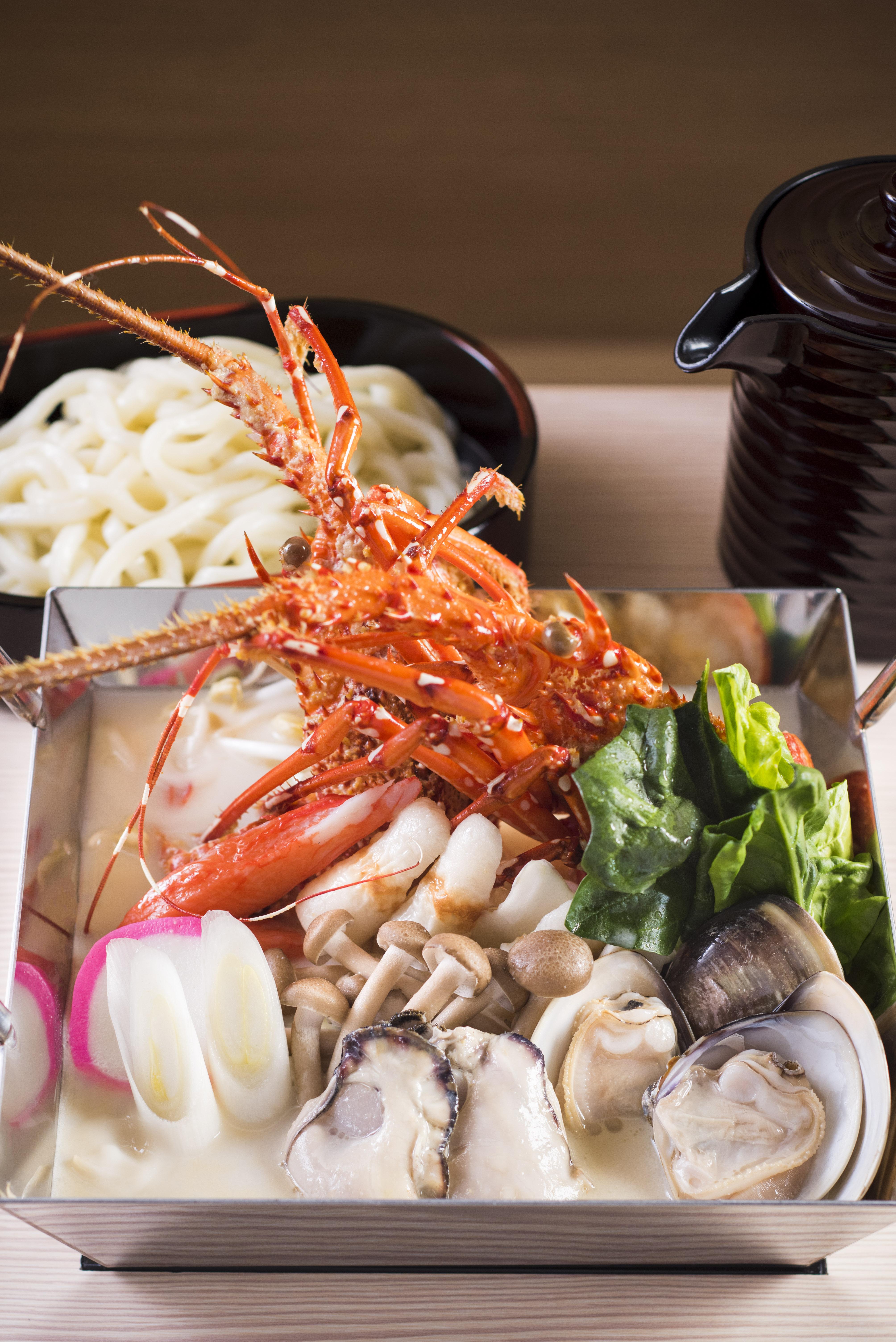 原隻龍蝦海鮮鍋