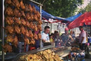 週末はイスラムマーケット「Lanpu Lu Muslim Market」広州