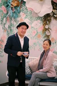 「Queenlin」のデザイナーのDennis氏と「Cha Bei」のオーナーのJoannna氏