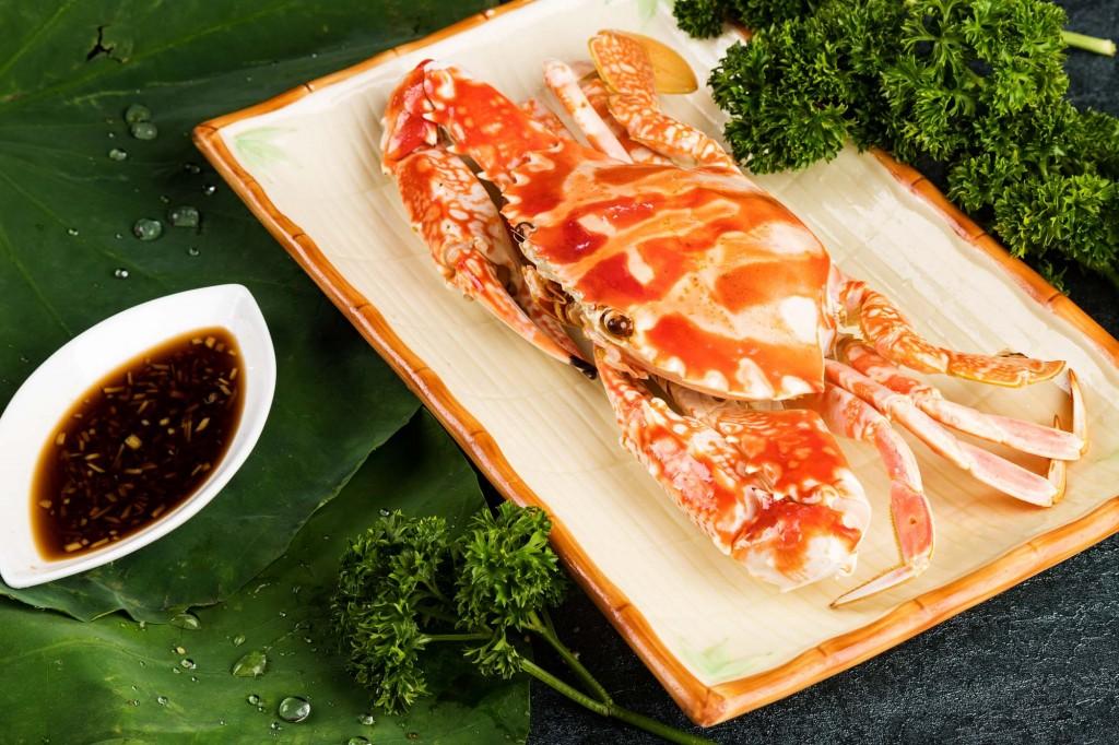 色鮮やかさが特徴の花蟹「Red Coral Crab」