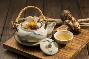 「Tea Pot Steam Matsutake Mushroom Golden Jelly Mushroom Soup」