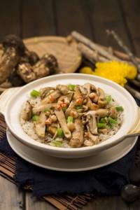 贅沢な香りが食欲をそそる「Clay Pot Matsutake Steam Rice」