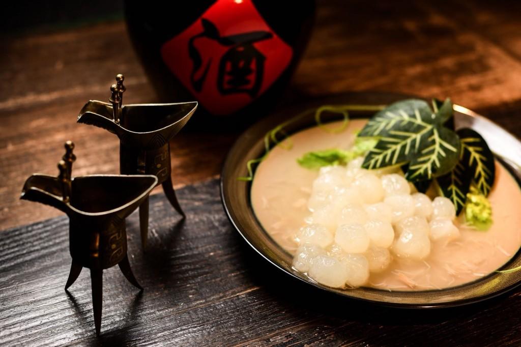 鶏のダシが効いた「Braised Winter Melon, Conpoy, Double boiled Chicken Stock」