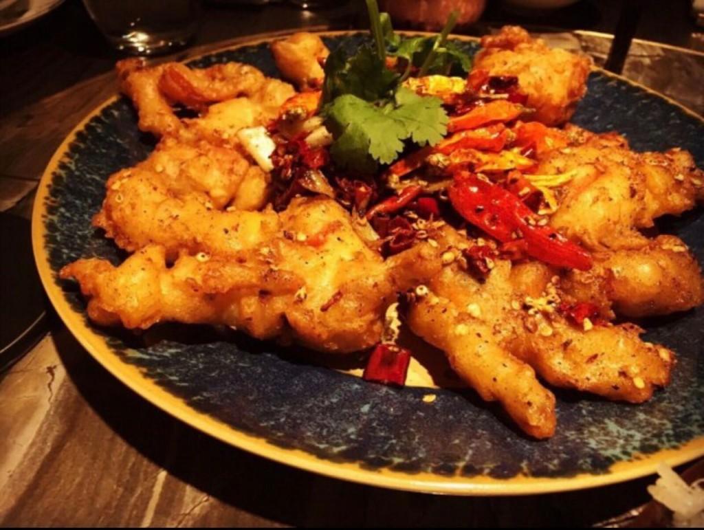 看板メニューの「Fried Soft Shell Crab, Sichuan Dried Chili」