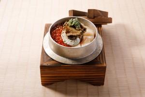 (頤) 北海道帆立貝三文魚籽 併 韓國鮑魚釜飯