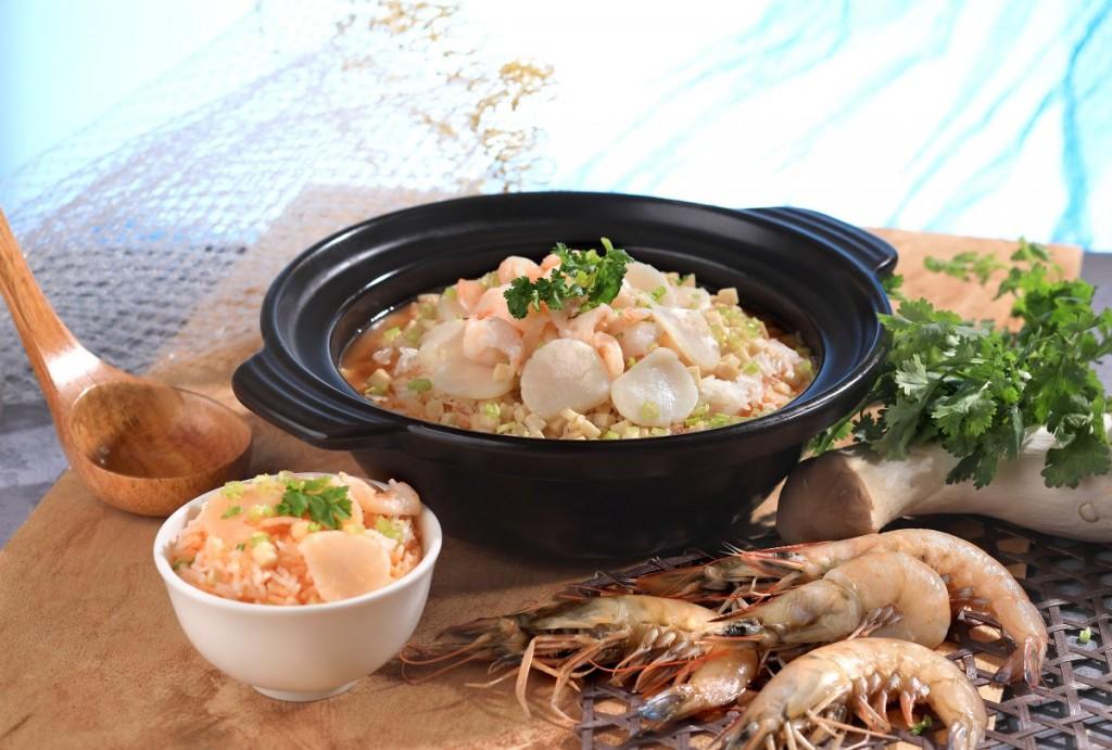 地元で採れた海鮮をたっぷり使用した「Rice with Assorted Seafood in Lobster Soup」