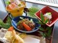 限定!お昼御膳・夜の桐懐石「なだ万」&月餅「シャングリ・ラ」広州