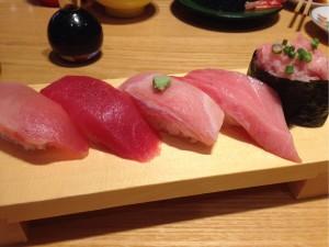 回転寿司のマグロ盛り合わせ