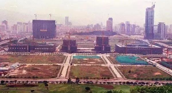 2001年市民中心及福田CBD